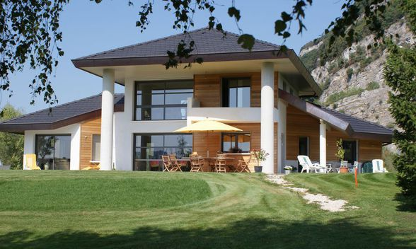 faire construire sa maison cologique maison mobilier jardin. Black Bedroom Furniture Sets. Home Design Ideas